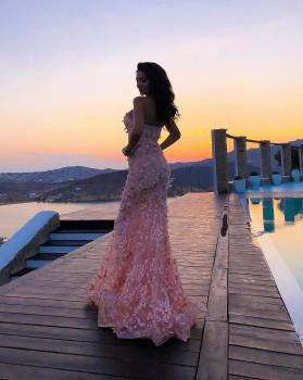 That dress is everything 😍 @jadoreevening 💕