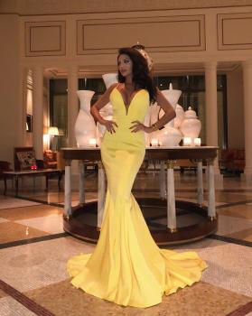 Amazing Dress from @jadoreevening 💛