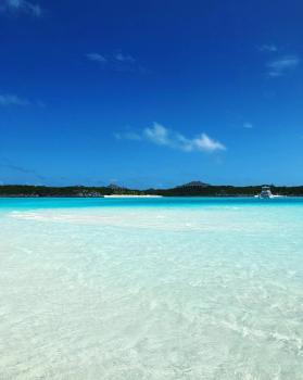 Tb to this amazing place #Bahamas 🇧🇸#katiapanteliswimwear #collection #luxury #swimsuit #fashion #miami #sea #sun #summer #hot #resort #design #influencer #instagram #passion #designer #beach #beachlife#photography #photoshoot #photo #red #gold #green #swimwear #bikini #beautiful